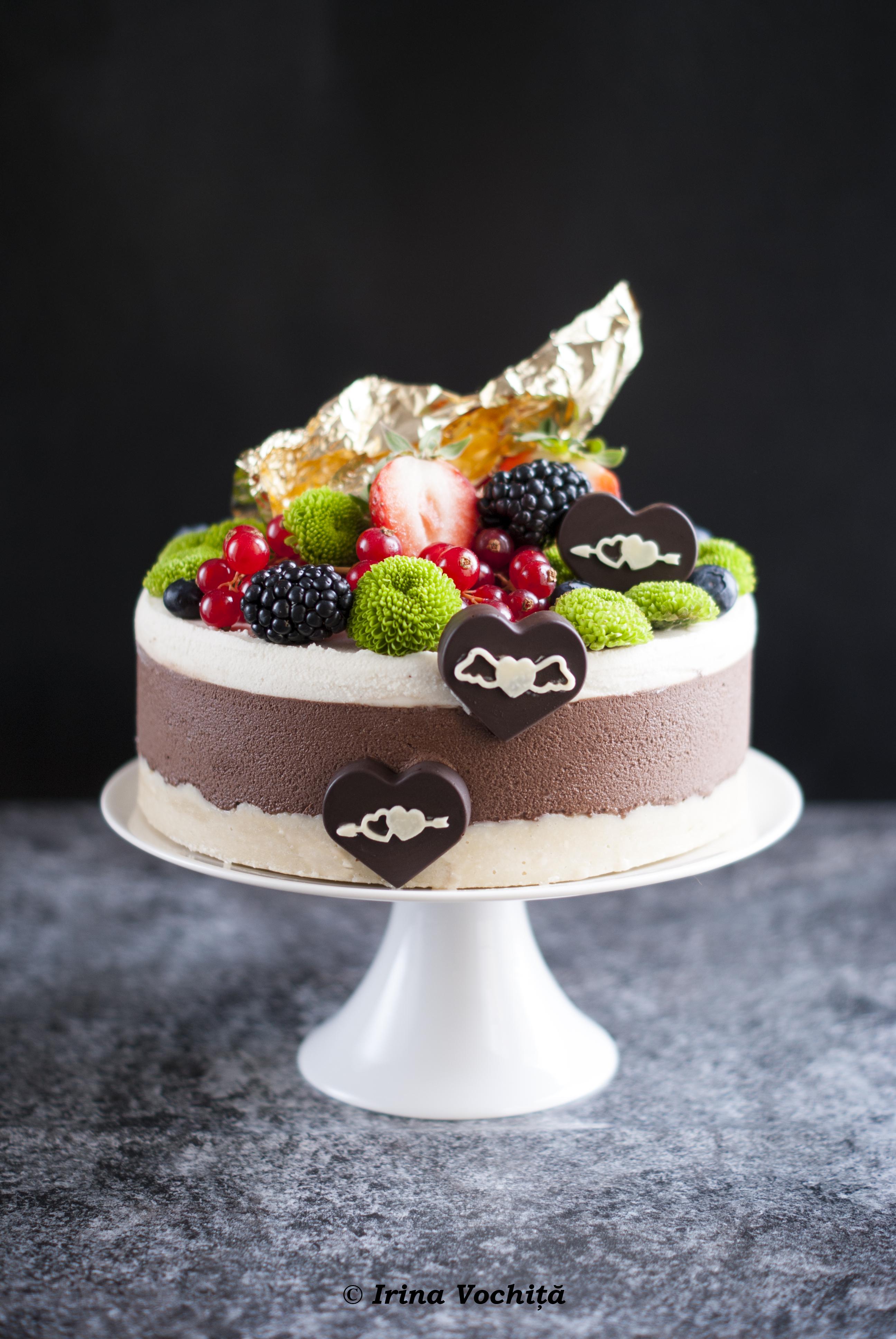 tort cu ciocolata si nuci macadamia