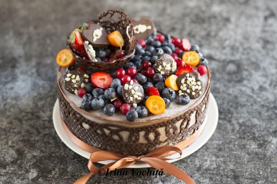tort raw vegan cu ciocolata si zmeura