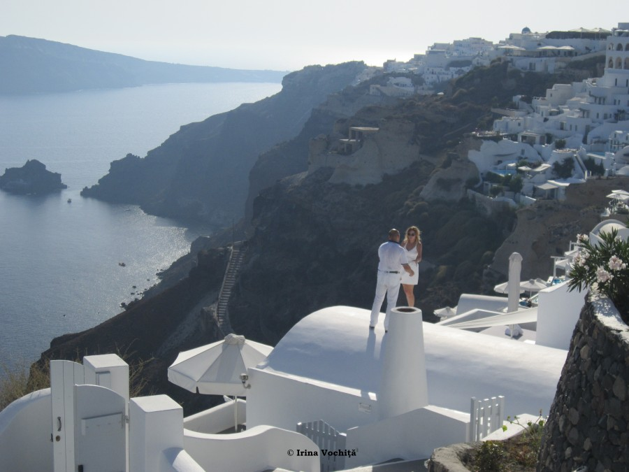 beautiful oia santorini