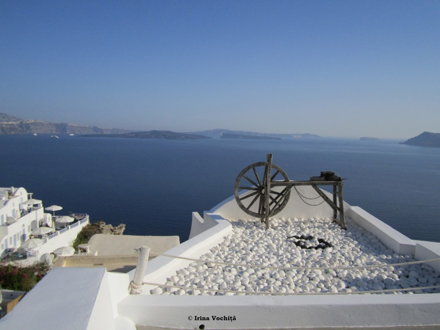 white beauty oia